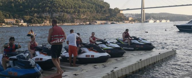 JET SKI SAFETY AND WHAT SAFETY SERVICES WE PROVIDE